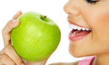 Estética dental y sonrisa feliz, tratamientos dentales de Clínica Ortiz-Vigón