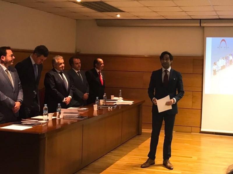 El Dr. Ortiz-Vigón obtiene la calificación sobresaliente cum laude en su tesis doctoral