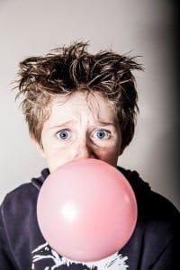 Mascar cichle es uno de los falsos mitos dentales