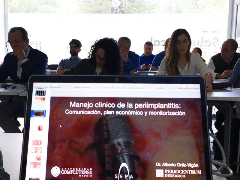 El Dr. Ortiz-Vigón, ponente en el curso SEPA sobre enfermedades periimplantarias
